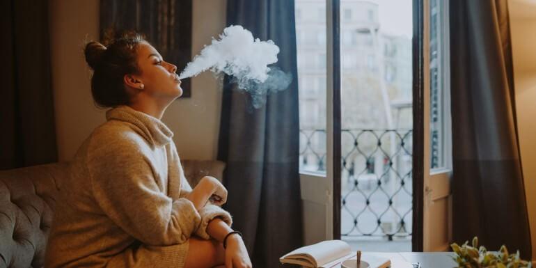 Los mejores trucos para eliminar el olor al fumar marihuana